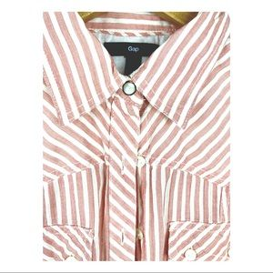 PINK AND WHITE STRIPED BUTTON DOWN OXFORD